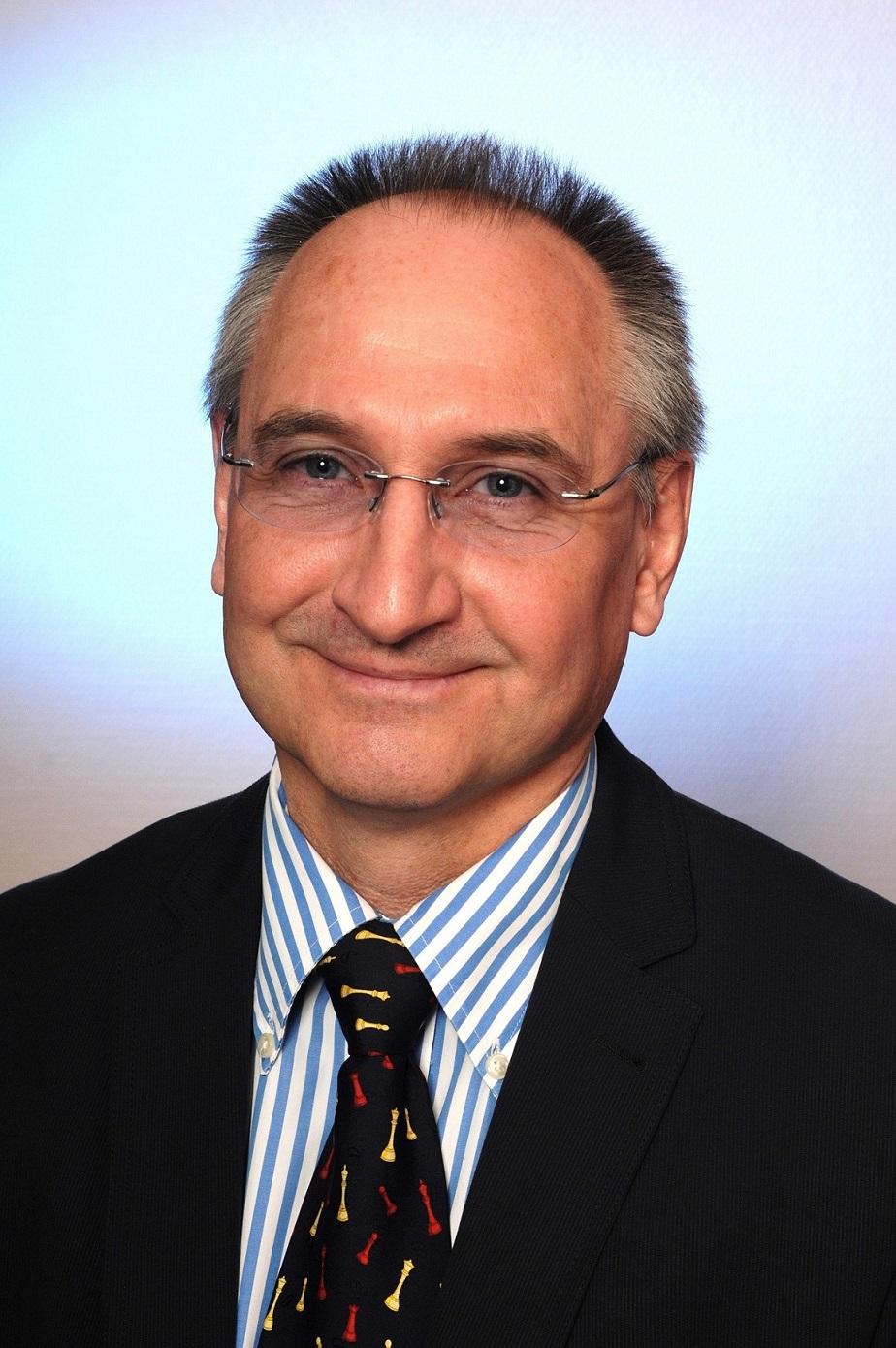 Dr Etti Cham